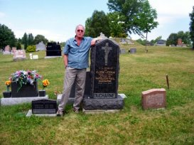 Yvan Ducharme au cimetière Saint-Michel de Rouyn-Noranda